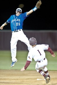 TOP HONORS - Decatur shortstop DJ Roberts took the top 7-3A offensive honor. Messenger photo by Joe Duty