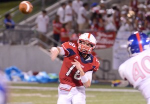 I&#039;M OPEN - Northwest quarterback Draze Lawliss finds an open receiver in the Texans&#039; win over Grapevine. Messenger photo by Mack Thweatt
