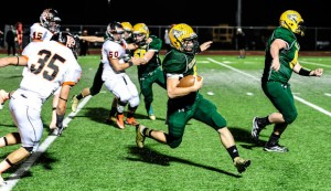 SPRINTING TO VICTORY - Boyd&#039;s Blake McDonald sprints down the field against Pilot Point Friday. Messenger photo by Joe Duty