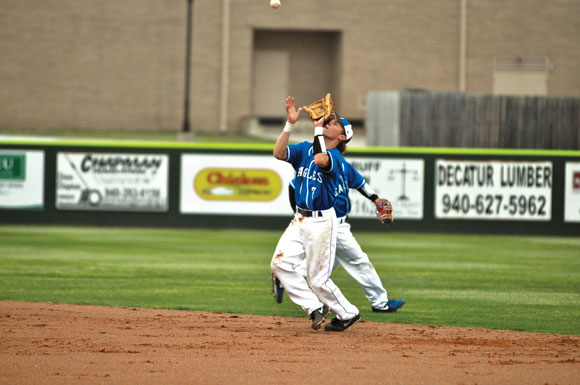 NICE CATCH - Reid Metcalf hauls in a pop fly against Sanger Tuesday. Messenger photo by Clay Corbett